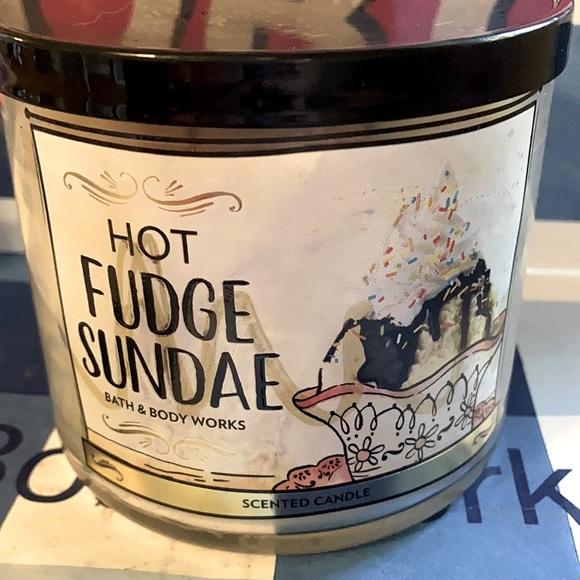 B&BW Hot Fudge Sundae Candle